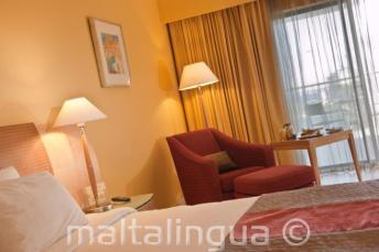 Гостевой номер делюкс в отеле Le Meridien hotel, Мальта