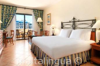 Спальный номер в отелей Hilton на Мальте