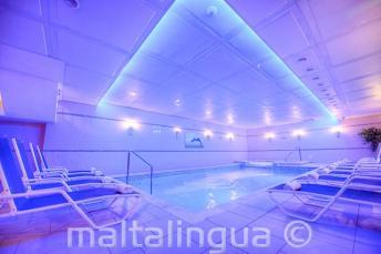 Спа и закрытый бассейн в отеле Alexandra, Сент-Джулианс