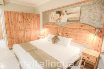 Спальный гостевой номер в отеле Alexandra, Сент-Джулианс