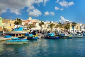 Лодки в рыбацкой деревне на Мальте